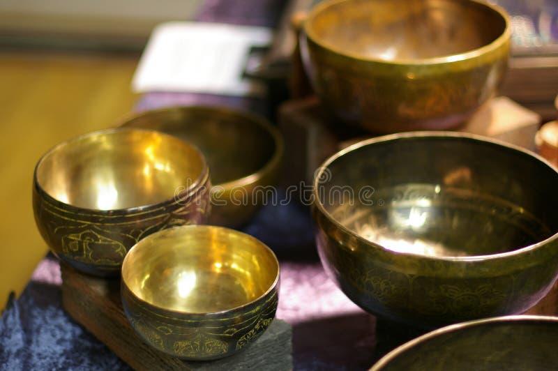 Bacias do canto do tibetano fotografia de stock