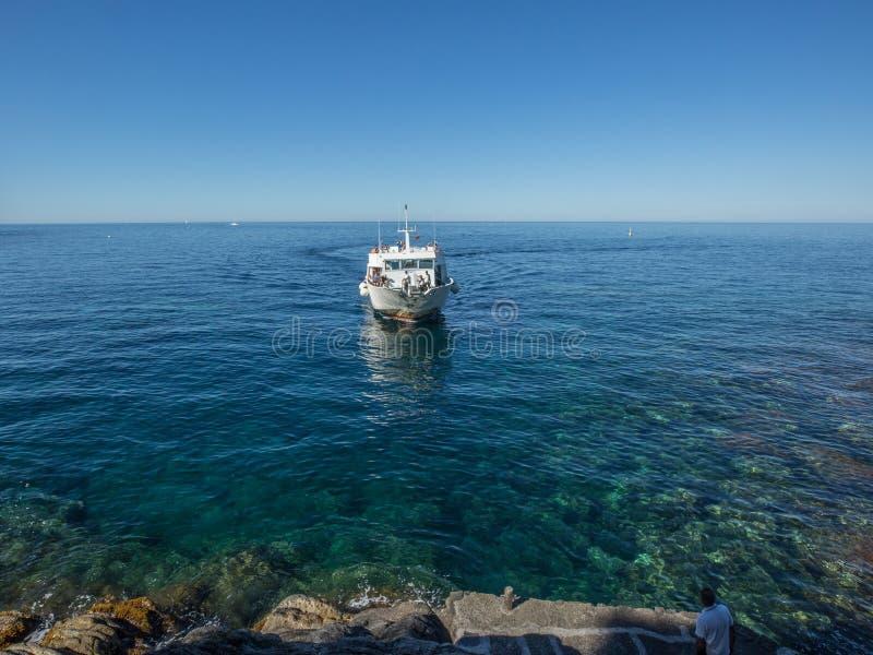 Bacino d'avvicinamento 2017 del traghetto dell'Italia immagini stock libere da diritti