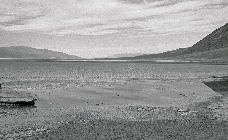 Download Bacino Difettoso Dell'acqua Fotografia Stock - Immagine di asciutto, arido: 7310338