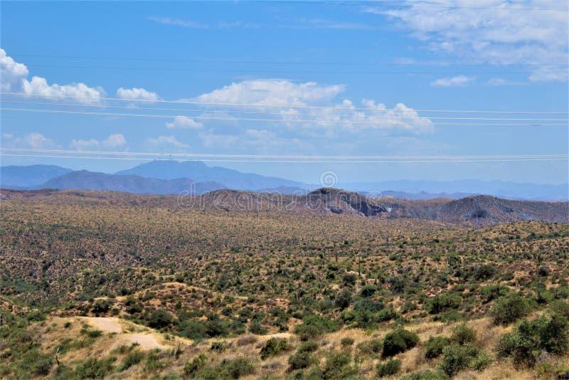 Bacino idrico di Bartlett Lake, la contea di Maricopa, stato vista scenica di Arizona, paesaggio degli Stati Uniti fotografia stock libera da diritti