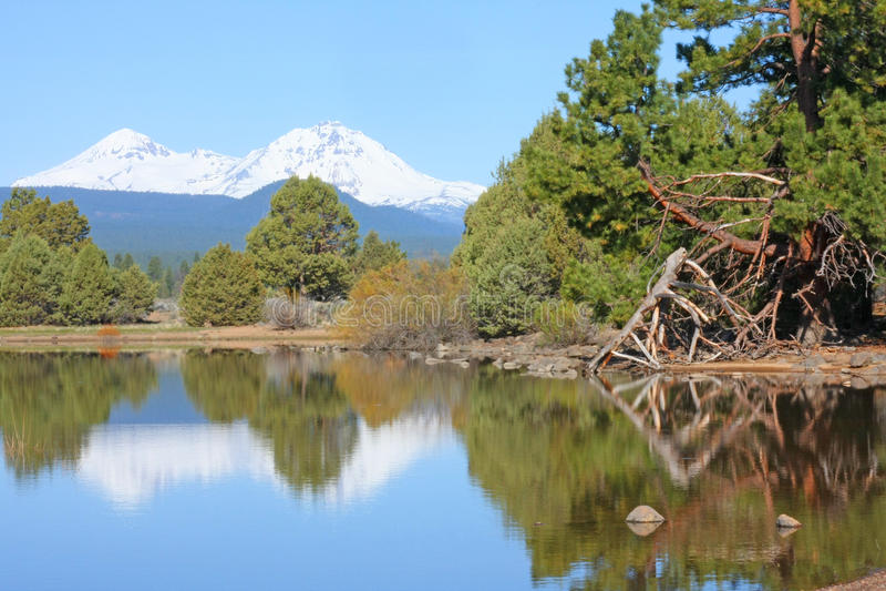 Bacino idrico di Tumalo in maggio immagine stock