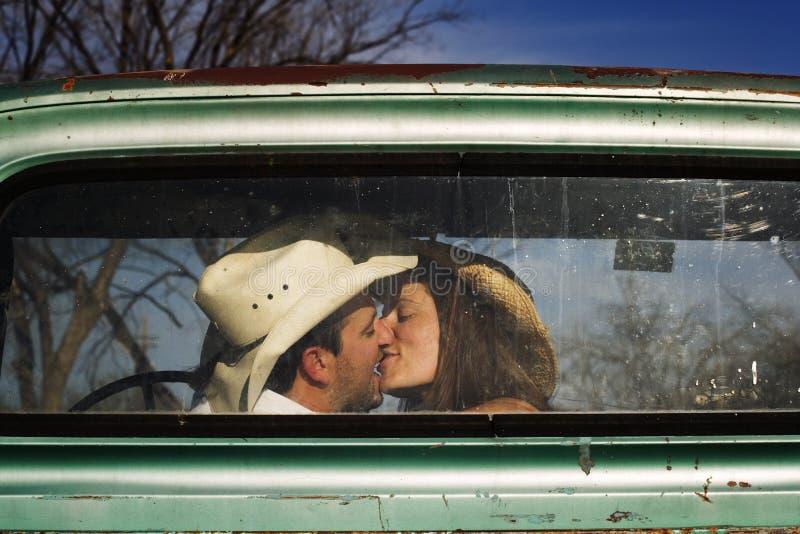 Bacio del cowboy fotografie stock libere da diritti
