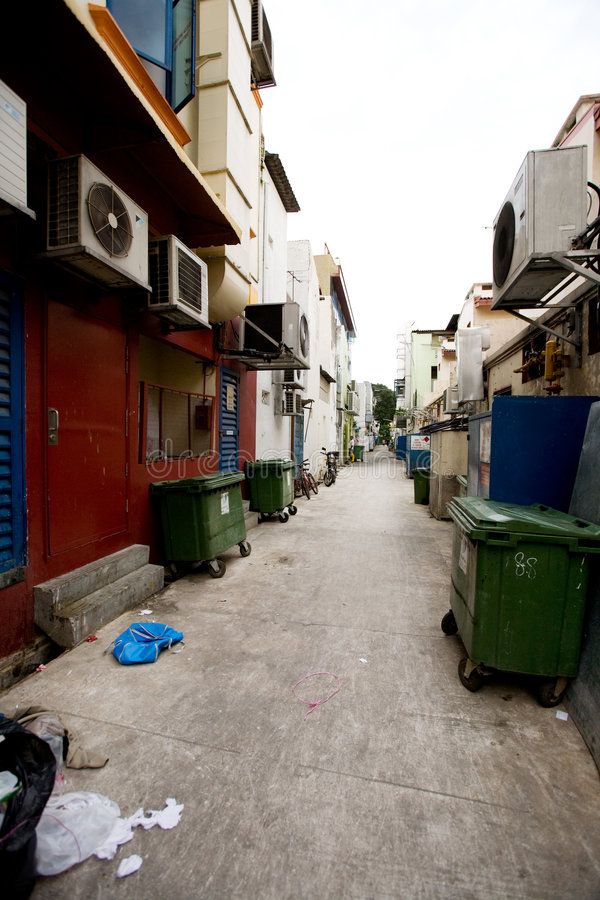 Free Back Alley Garbage Royalty Free Stock Photography - 8508307