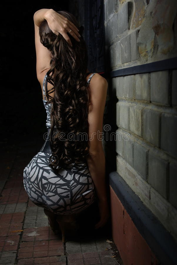 Free Back Of A Female Royalty Free Stock Images - 20809039
