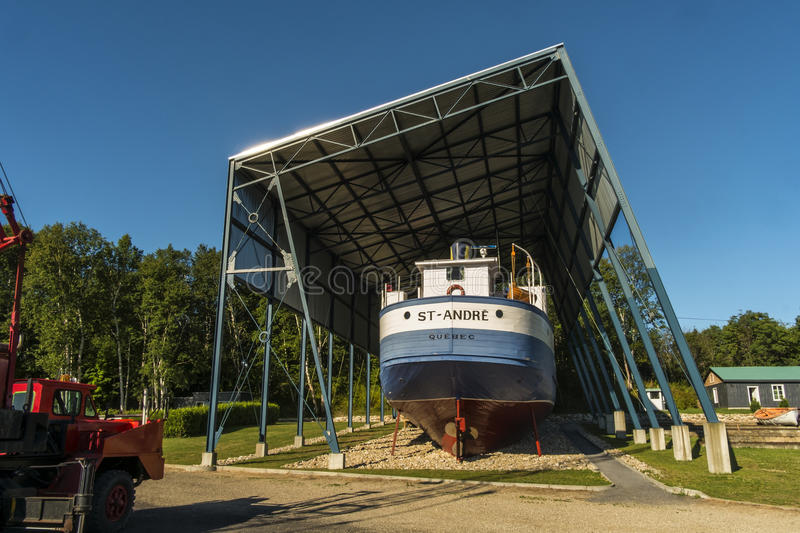Download Back of a Old Boat editorial stock photo. Image of exhibits - 33076888