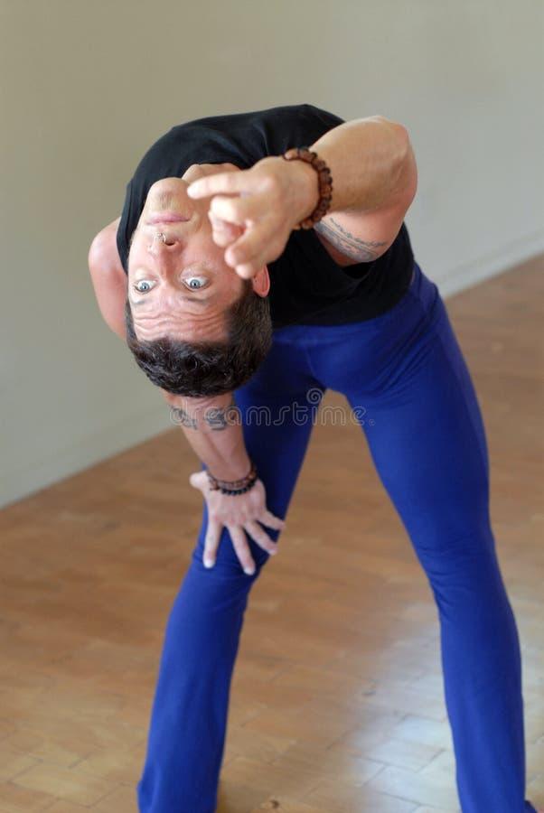 backbend mężczyzna joga zdjęcie stock