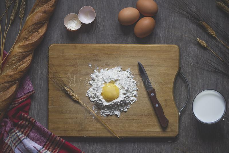 Backendes Brot, kochend stockfotos