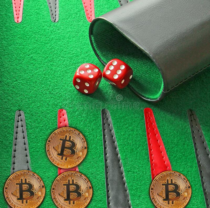 Backgammon de conseil de jeu de cryptocurrecy de Bitcoin photo stock