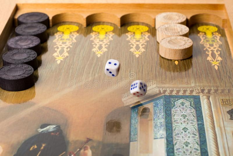 Backgammon del juego de mesa fotografía de archivo libre de regalías