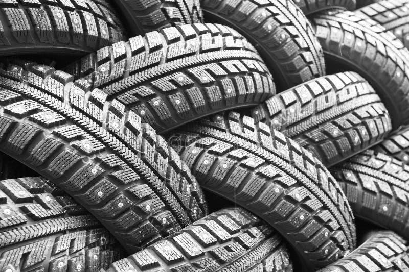 Backgorund de muitos pneumáticos de borracha pretos fotografia de stock