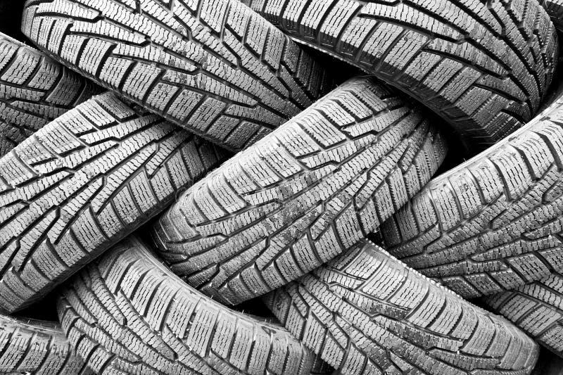 Backgorund de muitos pneumáticos de borracha pretos fotos de stock