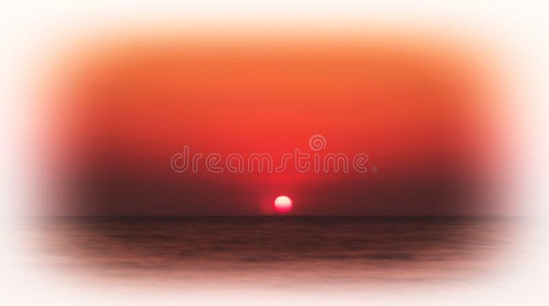 Backgro orange rouge pâle horizontal d'horizon d'océan de coucher du soleil de vignette photos libres de droits