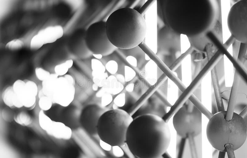 Backgrou abstrait noir et blanc horizontal de sphères de tache floue de mouvement image stock
