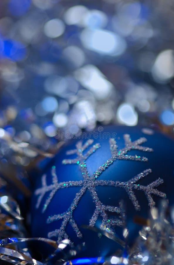 background blue christmas ornament silvery στοκ εικόνες με δικαίωμα ελεύθερης χρήσης
