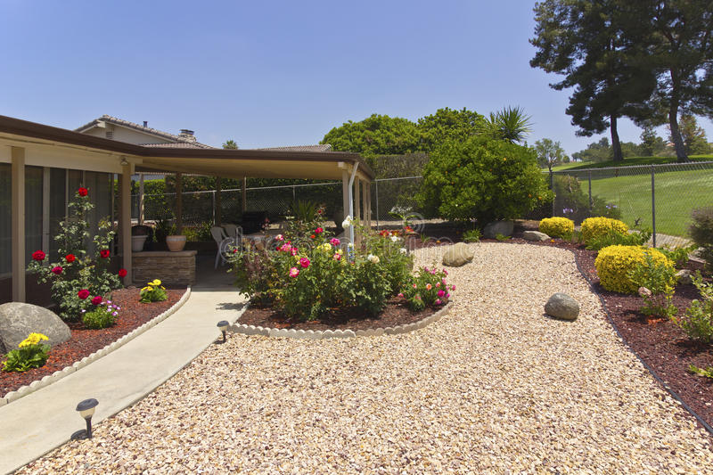 Backkyard patio i ogród. obrazy stock