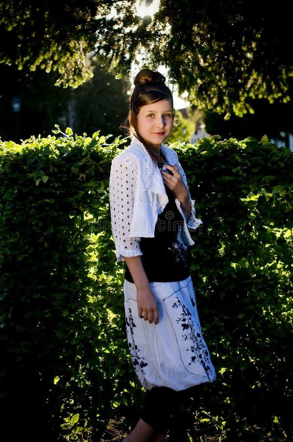 Download Backlight Mody Dziewczyny Słońce Nastoletni Obraz Stock - Obraz złożonej z potomstwa, czerń: 13332161