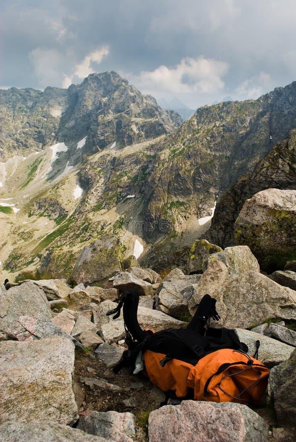 backpack πορτοκαλιά αιχμή στοκ εικόνες