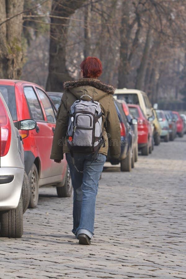 backpacker κορίτσι στοκ εικόνες με δικαίωμα ελεύθερης χρήσης