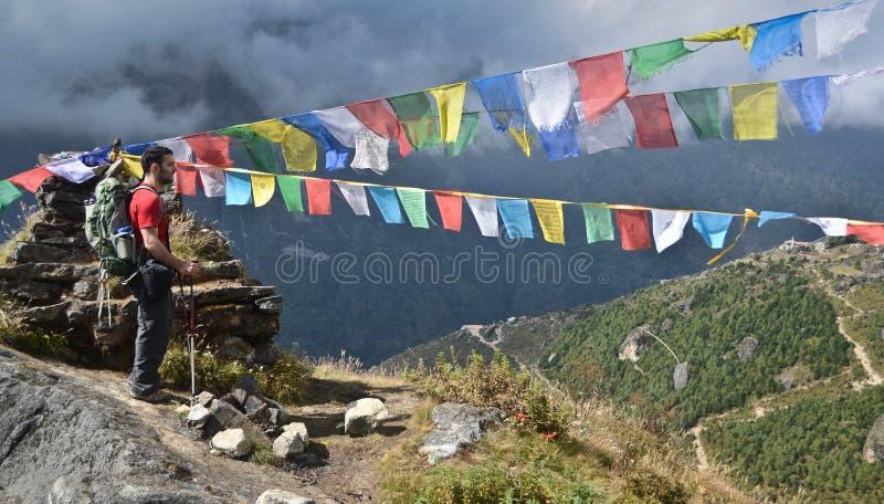 Backpacker em Nepal foto de stock