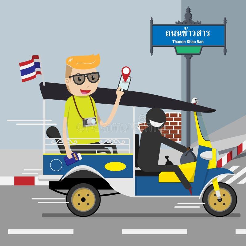 Backpackertoerist die op voertuig van de tuk tuk het lokale taxi met drie wielen berijden die de mobiele toepassing van de naviga royalty-vrije illustratie