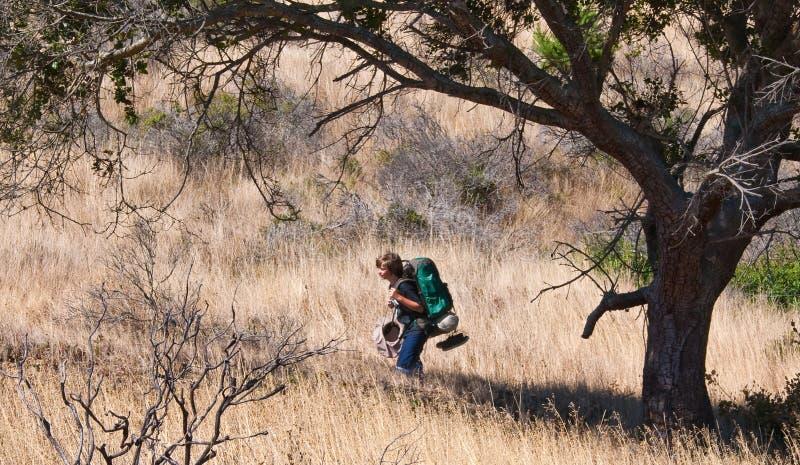 backpacking έφηβος στοκ εικόνες