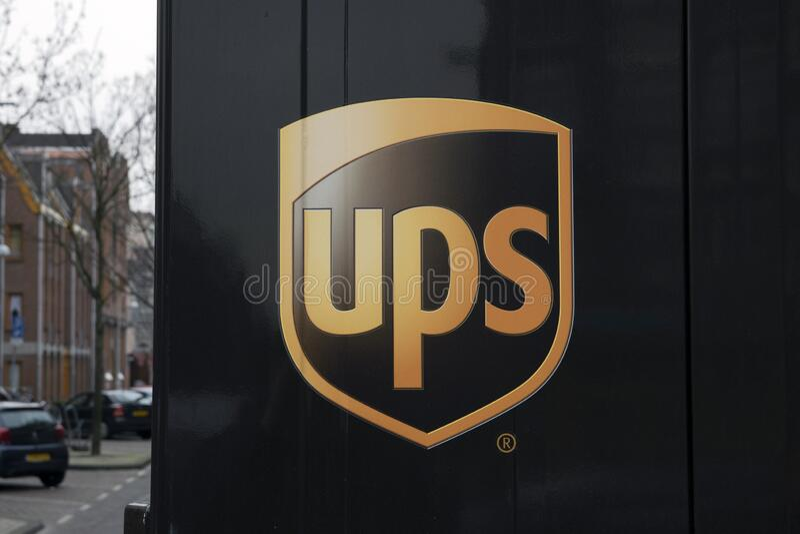 Backside Di Una Società UPS Van Ad Amsterdam, Paesi Bassi, 2019 fotografia stock