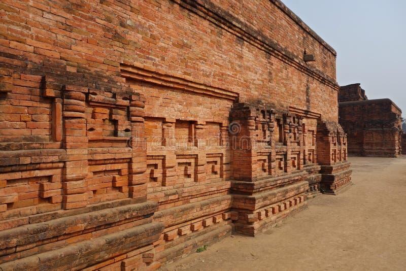 Backsteinmauer-Detail Nalanda Mahavihara lizenzfreie stockfotografie