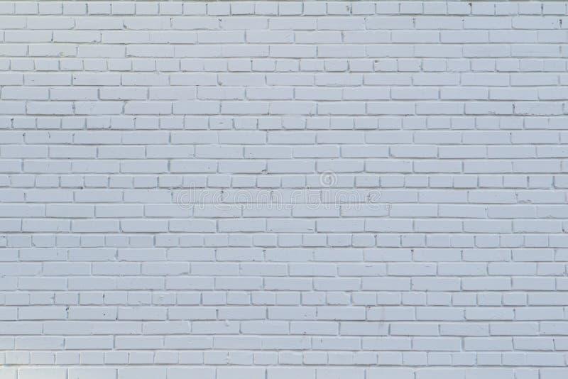 Backsteinmauer gemalt mit weißer Farbe als Hintergrund lizenzfreies stockbild