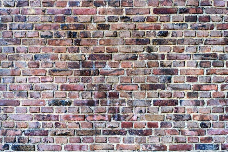 Backsteinmauer, vom alten, roten, grungy Ziegelsteinhintergrund lizenzfreie stockfotografie