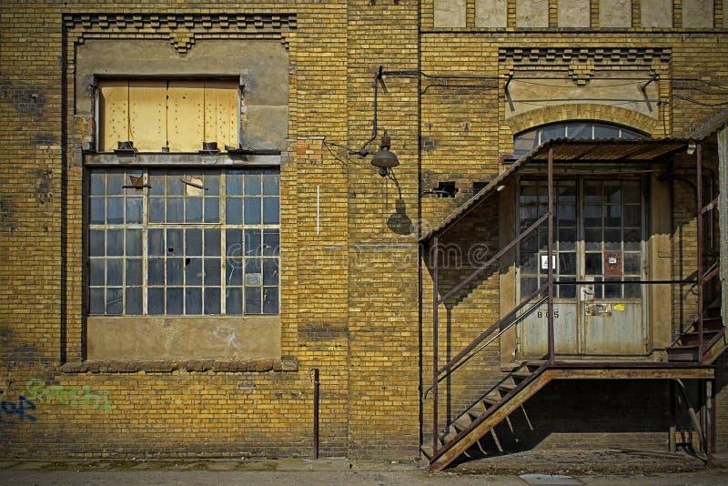 Backsteinmauerfassade lizenzfreies stockbild