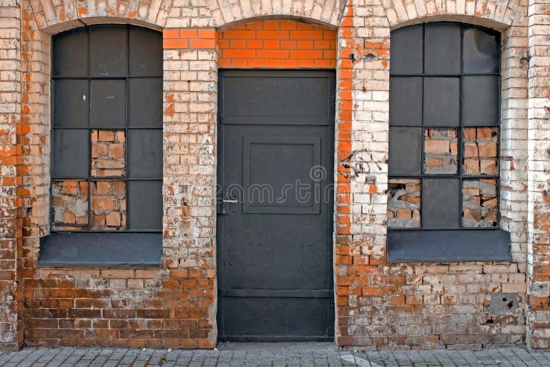 Backsteinmauerfassade stockfotos
