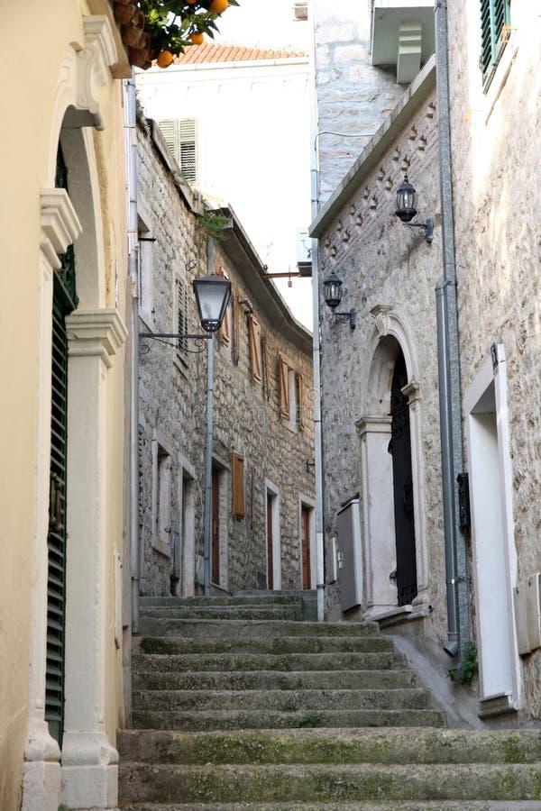 backstreet herceg Montenegro novi stary miasteczko zdjęcia stock