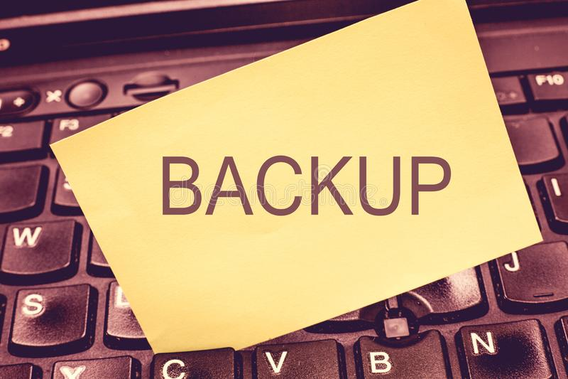 Backup da escrita do texto da escrita Cópia do significado do conceito dos dados do arquivo feitos caso que o original é perdido  imagem de stock royalty free