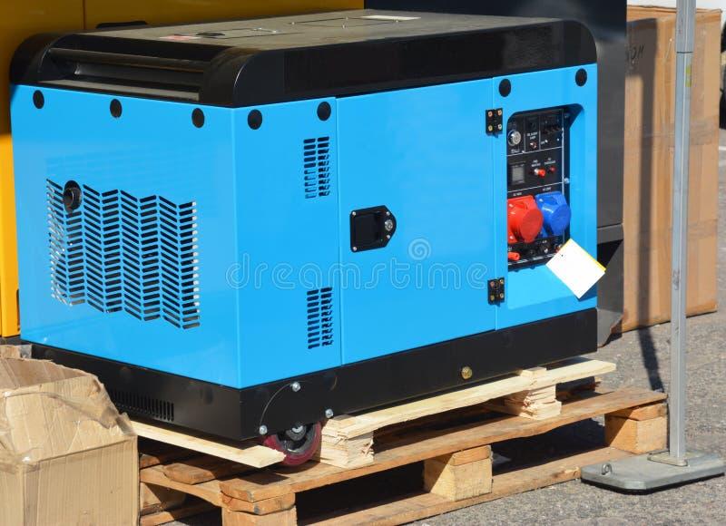 Backup-Generator mit Rädern Standby-Kraftgenerator zum Verkauf Home Backup Standby-Generator stockfotografie