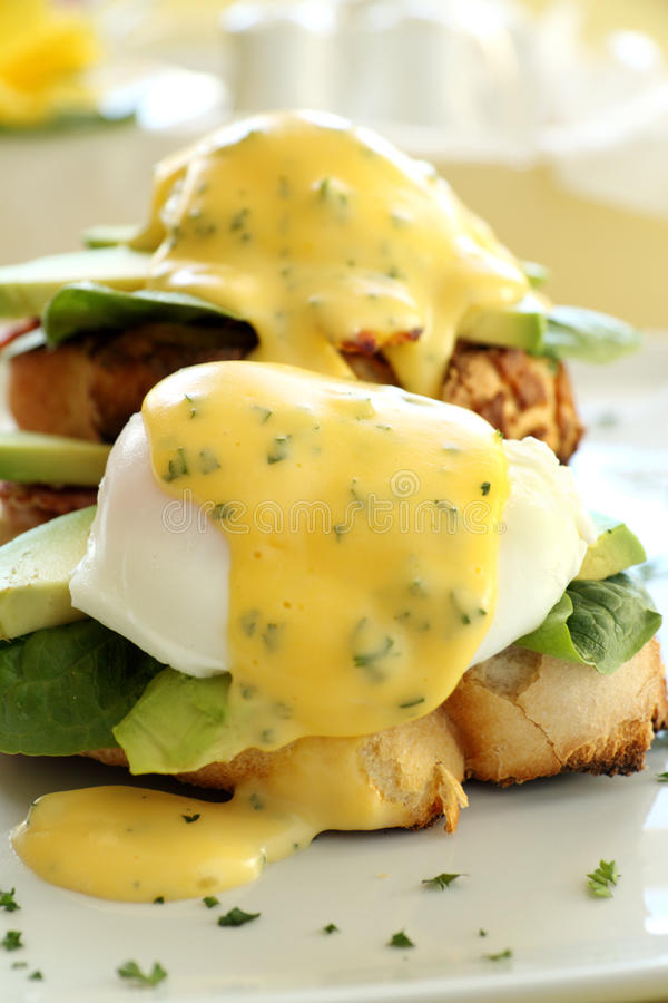 Free Bacon And Egg Benedict Royalty Free Stock Photography - 21717877