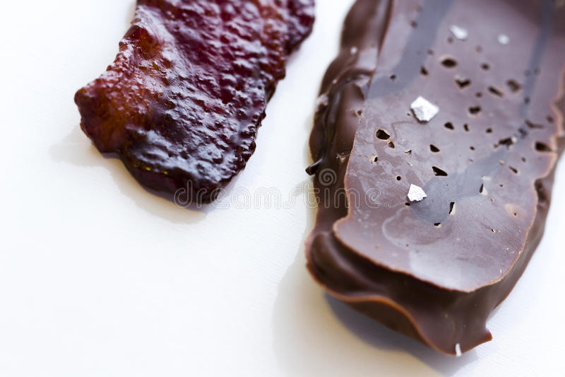Bacon coperto di cioccolato immagini stock libere da diritti