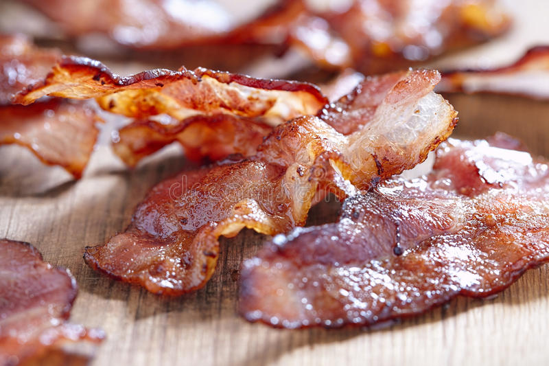Bacon cozinhado fotos de stock royalty free