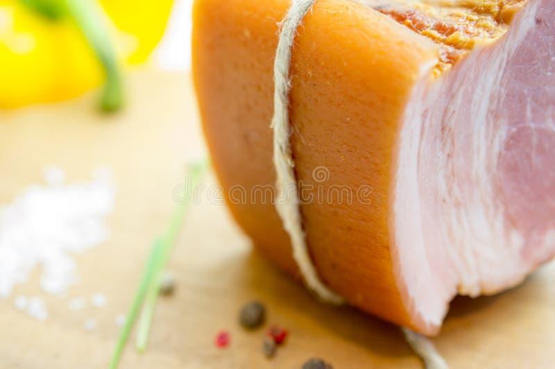 Bacon i ett stycke royaltyfria bilder