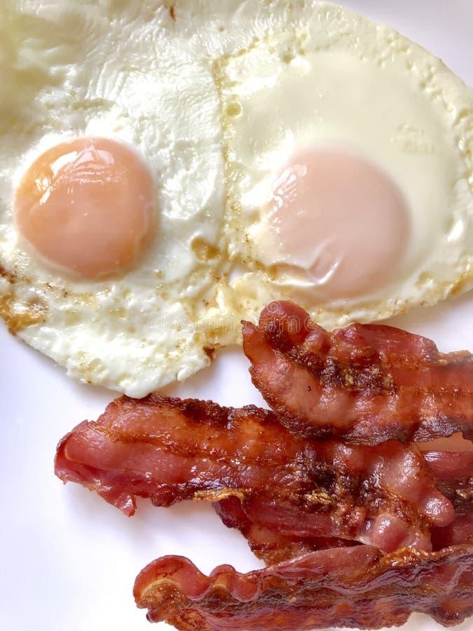 Bacon och ägg arkivbilder
