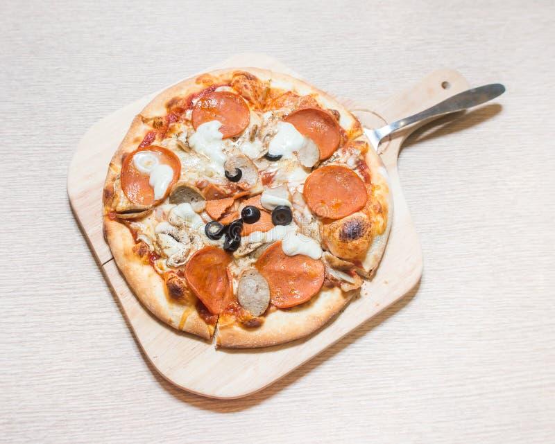 Baconpizza fotografering för bildbyråer