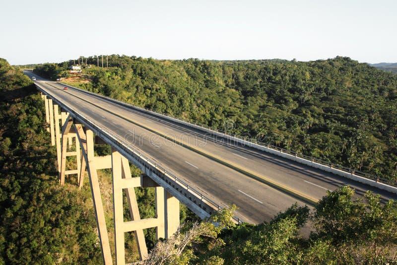 Bacunayagua Brücke stockfotos