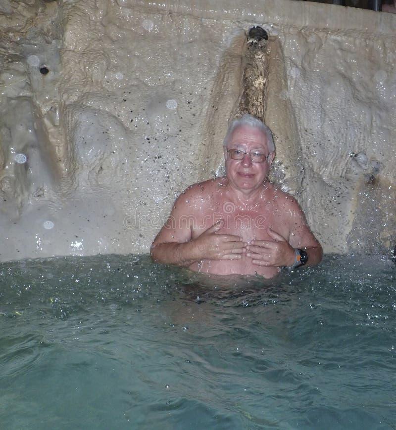 Bad för UngernMiskolc Tapolc grotta arkivbild