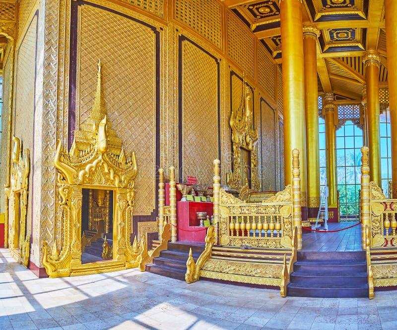 Bada Thihathana lwa Trone Hall Kanbawzathadi Złoty pałac, Bago, Myanmar zdjęcie stock
