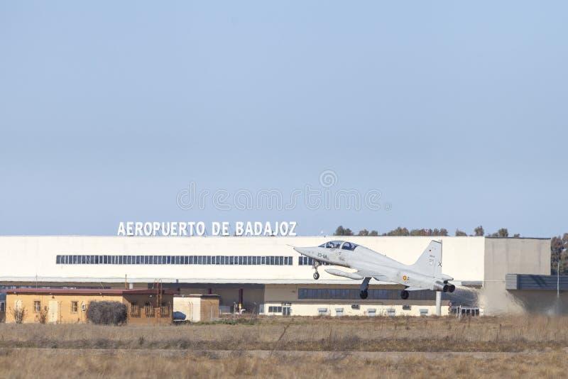 Badajoz lotnisko i F5 Northrop wojownik obrazy stock