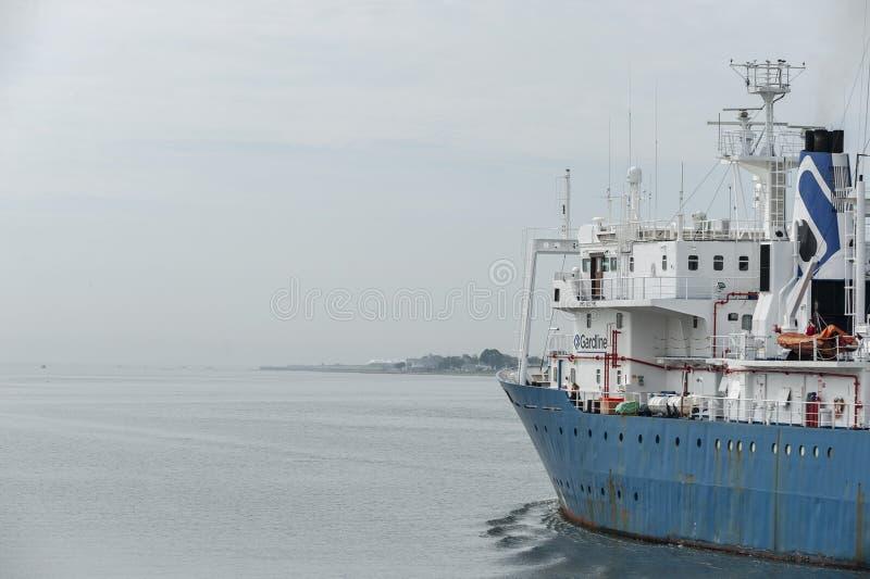 Badawczego naczynia oceanu badacz opuszcza Nowego Bedford obrazy royalty free