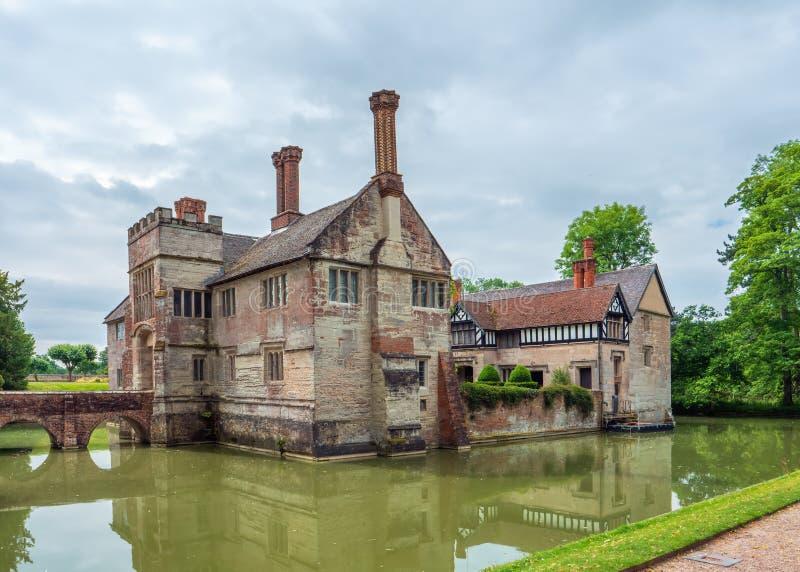 Baddesley Clinton rezydencji ziemskiej Moated dom, Warwickshire, Anglia fotografia stock