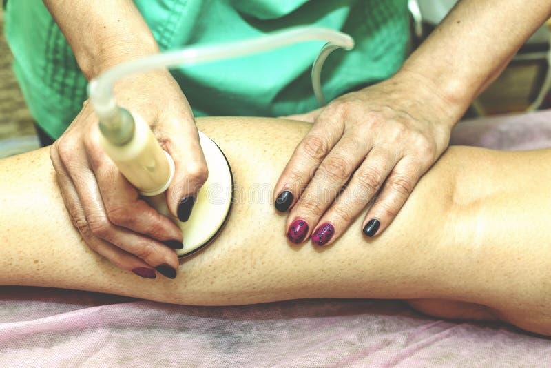 Badekurort Anticellulite Massage Gesunder Lebensstil Badekurort-Schönheitssaal stockfoto