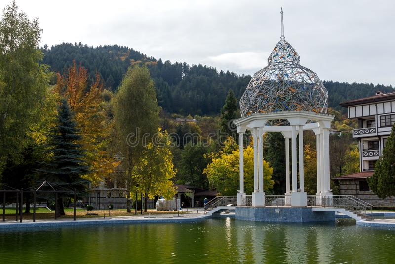 BADEKURORT Hotel Orpheus tn der Erholungsort von Devin, Smolyan-Region, Bulgarien lizenzfreies stockbild