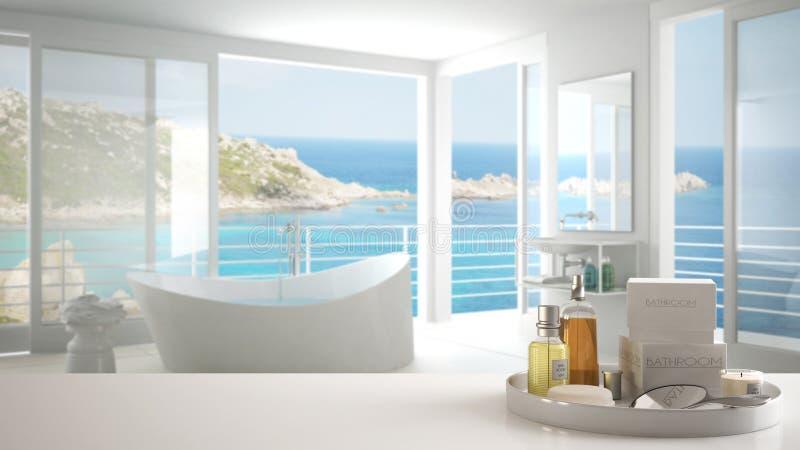 Badekurort, Hotelbadezimmerkonzept Weiße Tischplatte oder Regal mit dem Baden des Zubehörs, Toilettenartikel, über unscharfem pan lizenzfreie stockbilder
