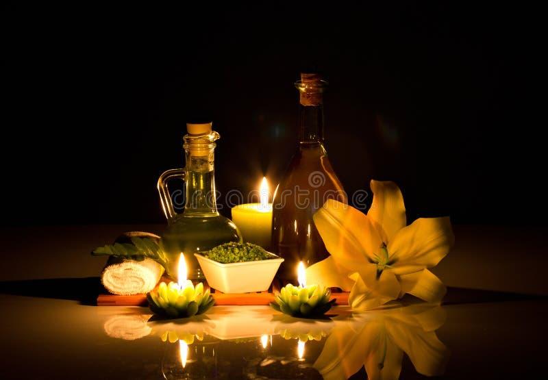 Badekurort Nochlebensdauer mit Kerzen stockbild